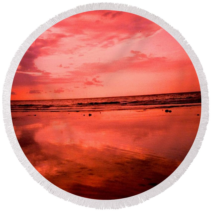 Sunset Round Beach Towel featuring the photograph Jamaica Sunset by Ian MacDonald