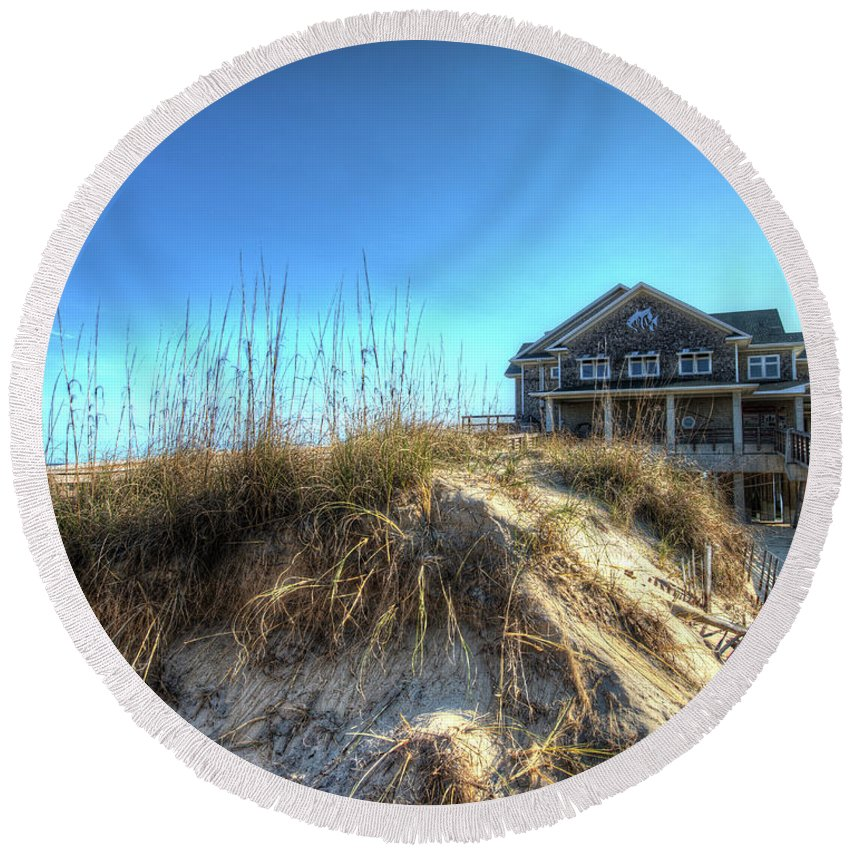 Currituck Beach Round Beach Towel featuring the photograph Jennettes Pier Nags Head North Carolina by Greg Hager