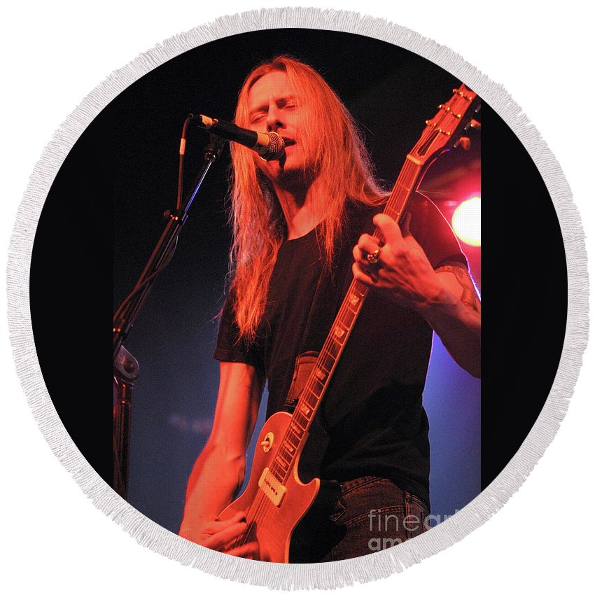 Alice In Chains Round Beach Towel featuring the photograph Guitarist Jerry Cantrell by Concert Photos