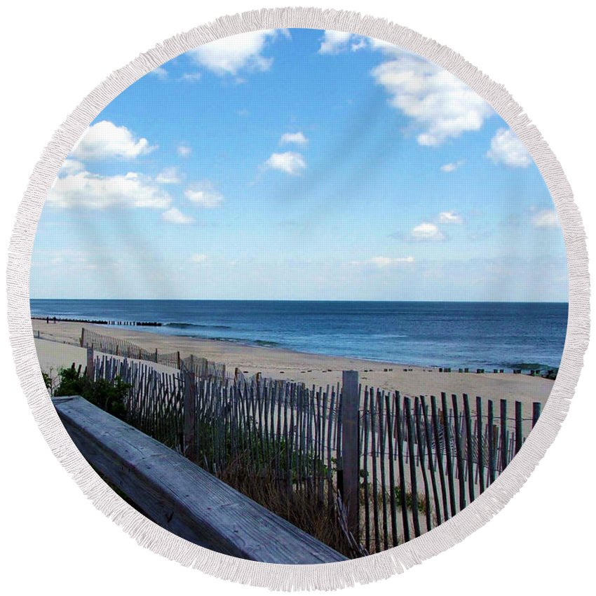 Jersey Shore Round Beach Towel featuring the photograph Jersey Shore by Judi Saunders
