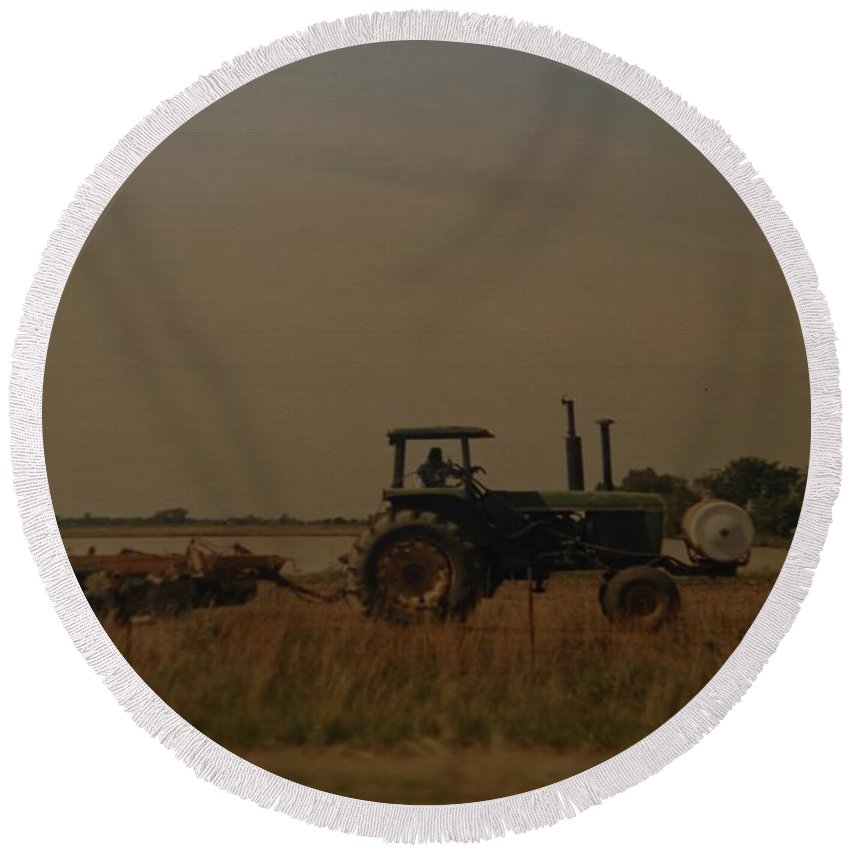 Arkansas Round Beach Towel featuring the photograph John Deere Arkansas by Rob Hans