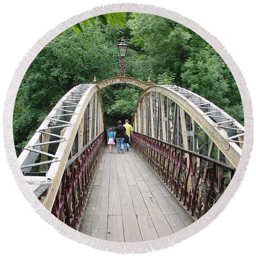 Jubilee Bridge Round Beach Towel featuring the photograph Jubilee Bridge - Matlock Bath by Rod Johnson