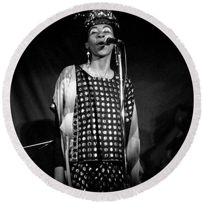 June Tyson Round Beach Towel featuring the photograph June Tyson by Lee Santa