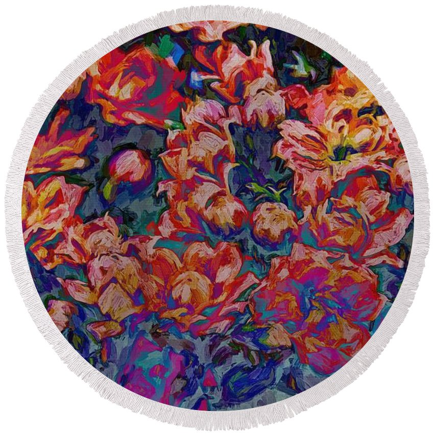 Floral Abstract Round Beach Towel featuring the photograph Junefly by Alice Gipson