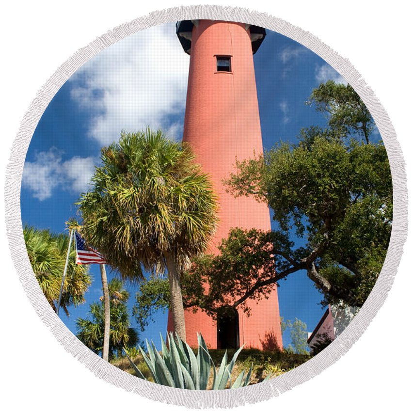 Lighthouse Round Beach Towel featuring the photograph Jupiter Lighthouse II by Thomas Marchessault