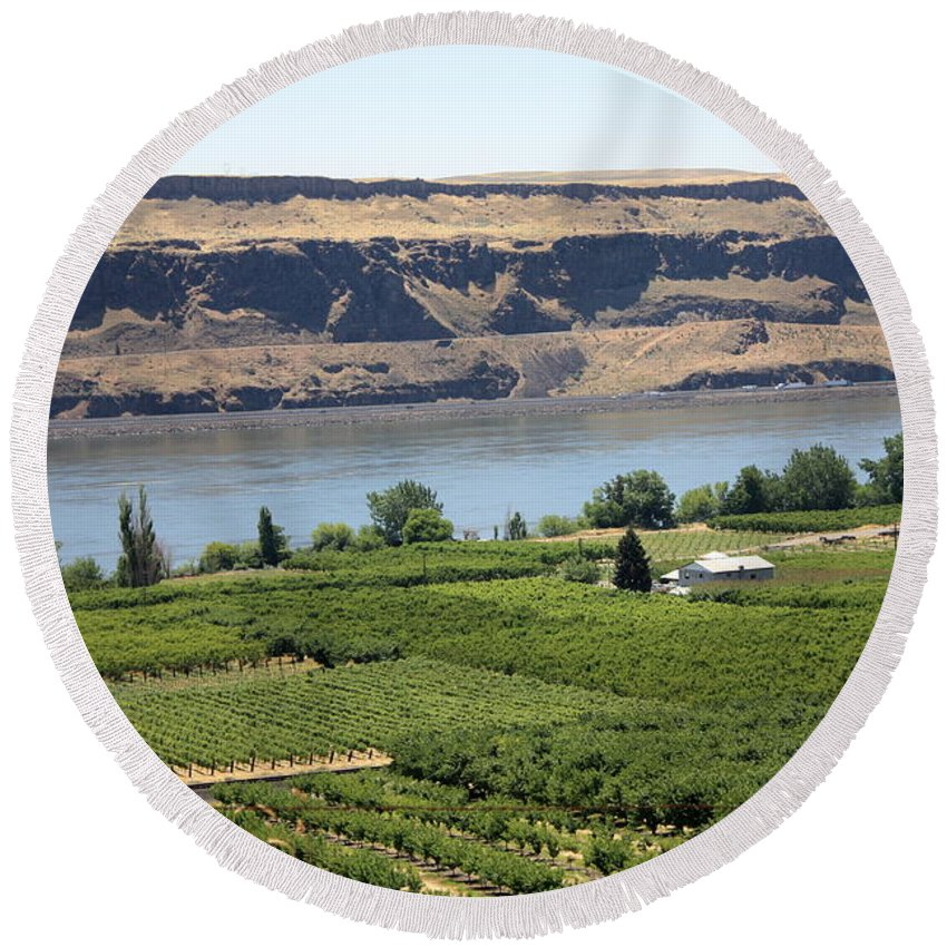Columbia River Gorge Round Beach Towel featuring the photograph Just Add Water... by Carol Groenen