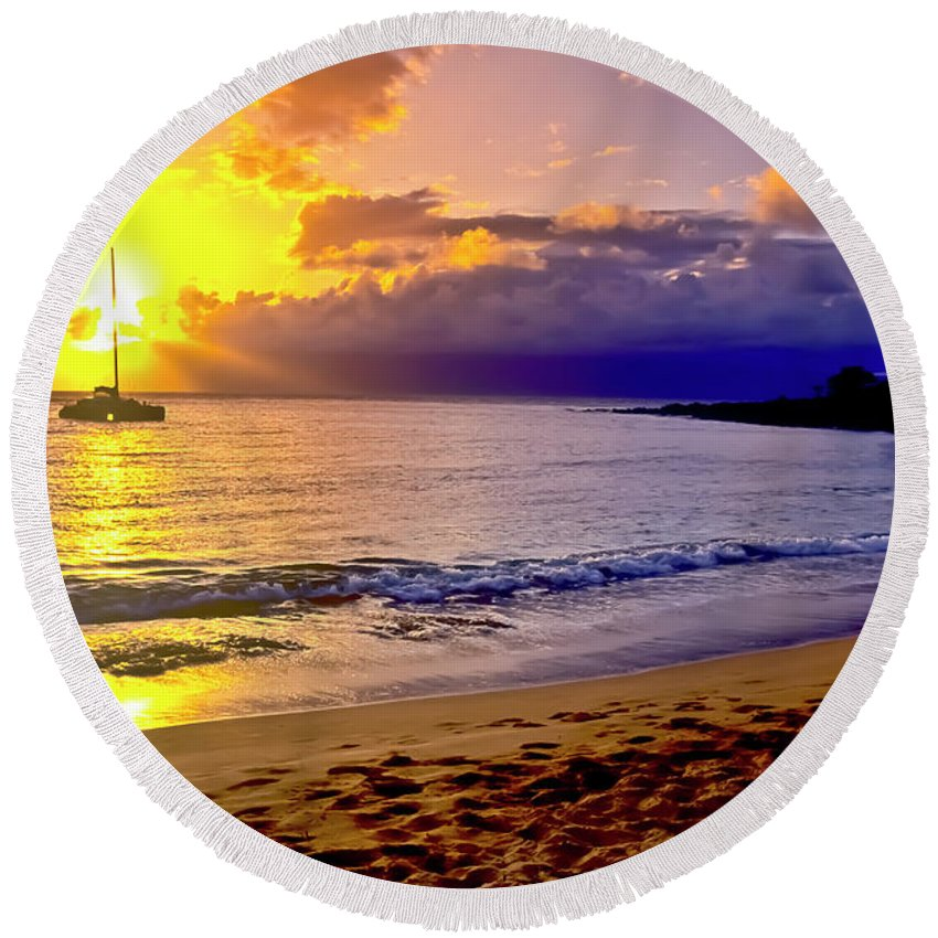Scenics Round Beach Towel featuring the photograph Kapalua Bay Sunset by Jim Cazel
