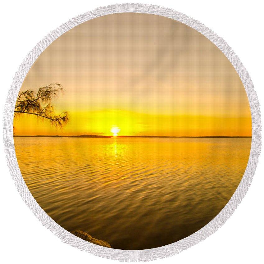 Sunrise Round Beach Towel featuring the photograph Key Largo Sunrise 2 by Chris Thaxter