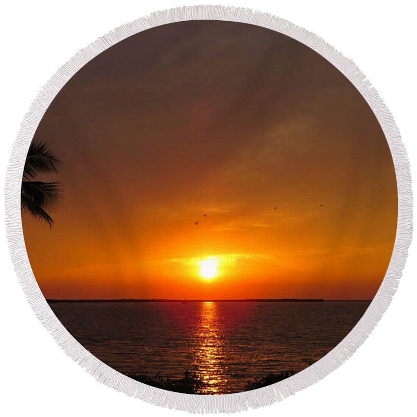 Sunset Round Beach Towel featuring the photograph Key Largo Sunset by Tammy Finnegan