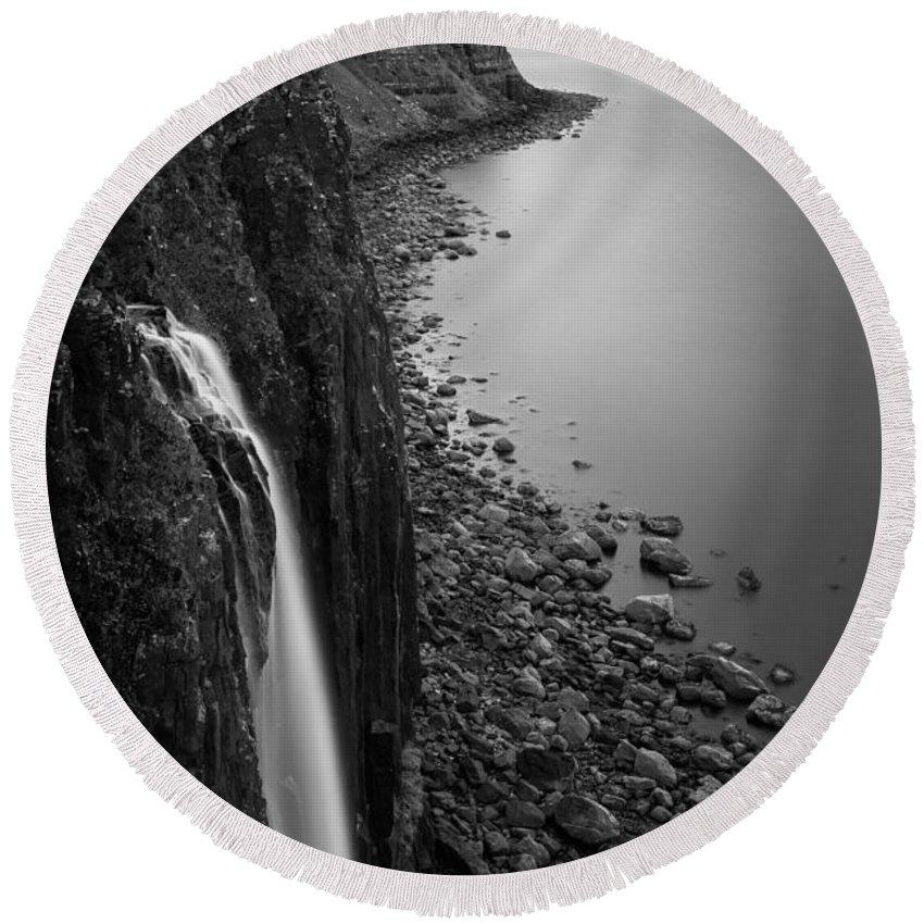 Kilt Rock Round Beach Towel featuring the photograph Kilt Rock Waterfall by Dave Bowman