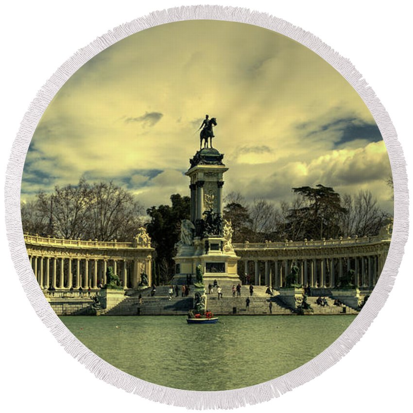 King Alfonso Round Beach Towel featuring the photograph King Alfonso Monument by Rob Hawkins