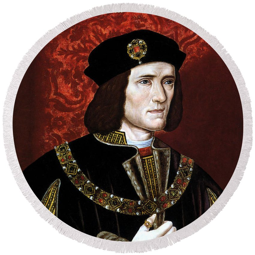 Richard Iii Round Beach Towel featuring the painting King Richard IIi Of England by War Is Hell Store