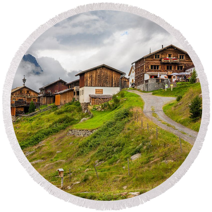 Alp Meadow Round Beach Towel featuring the photograph Kleblealm by Ludwig Riml