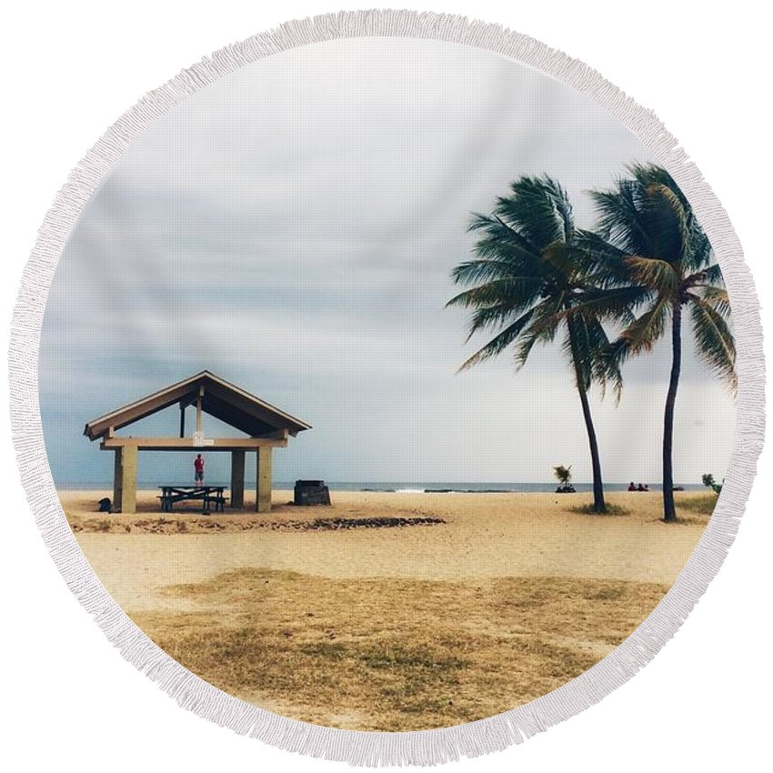 Beach Round Beach Towel featuring the photograph Kona Beach by DeWaine Tollefsrud