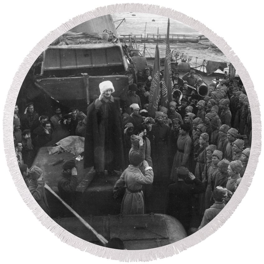 1921 Round Beach Towel featuring the photograph Kronstadt Mutiny, 1921 by Granger