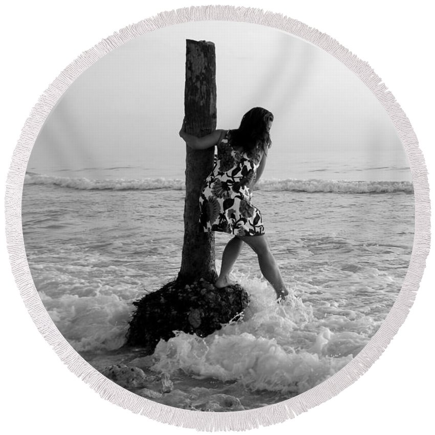 Beach Round Beach Towel featuring the photograph Lady In The Surf by David Lee Thompson