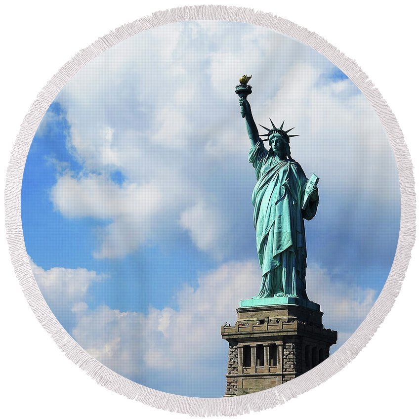 Statue Of Liberty Round Beach Towel featuring the photograph Lady Liberty by Stacia Weiss