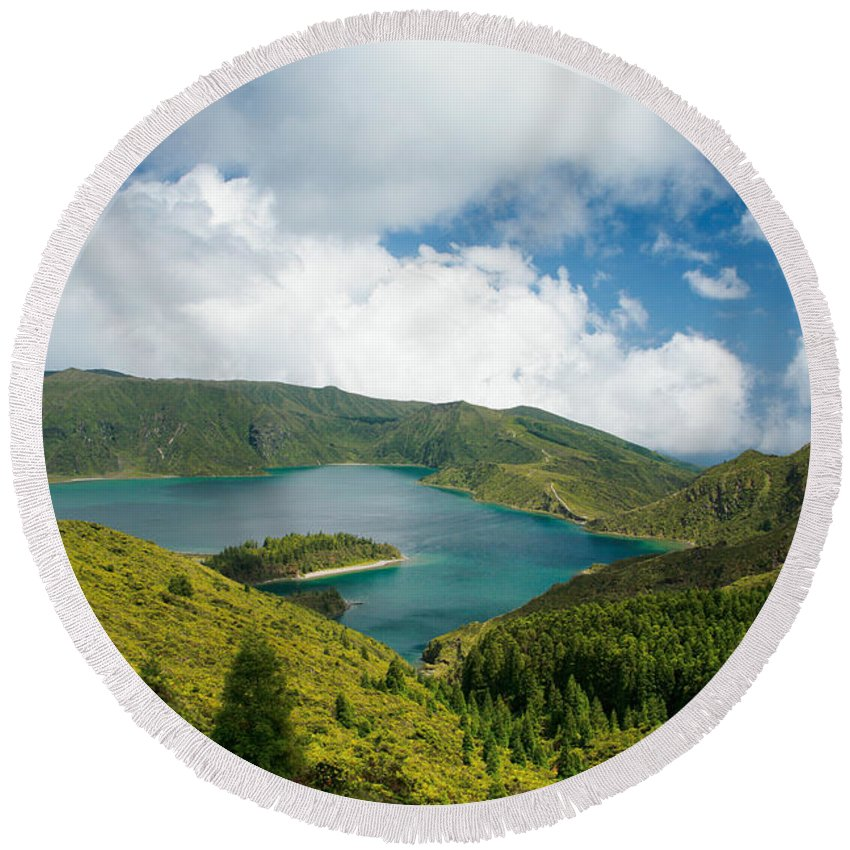 Lagoa Do Fogo Round Beach Towel featuring the photograph Lagoa Do Fogo by Gaspar Avila
