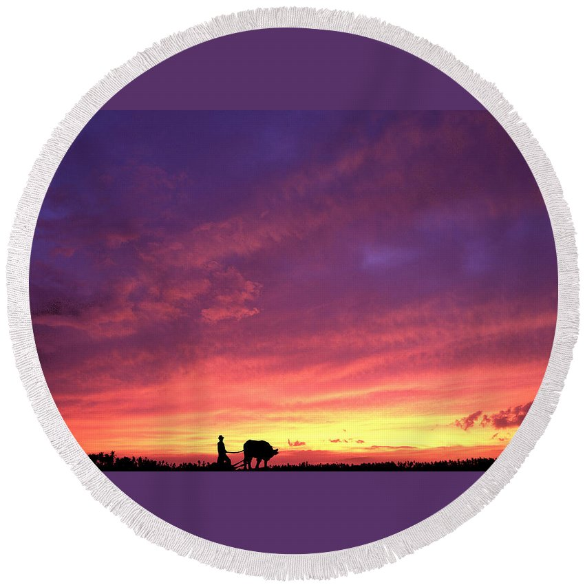Sunset Round Beach Towel featuring the photograph Laguna Sunset by George Cabig