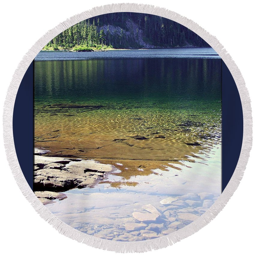 Vancouver B.c. Round Beach Towel featuring the photograph Lake Washington by Robert Meanor