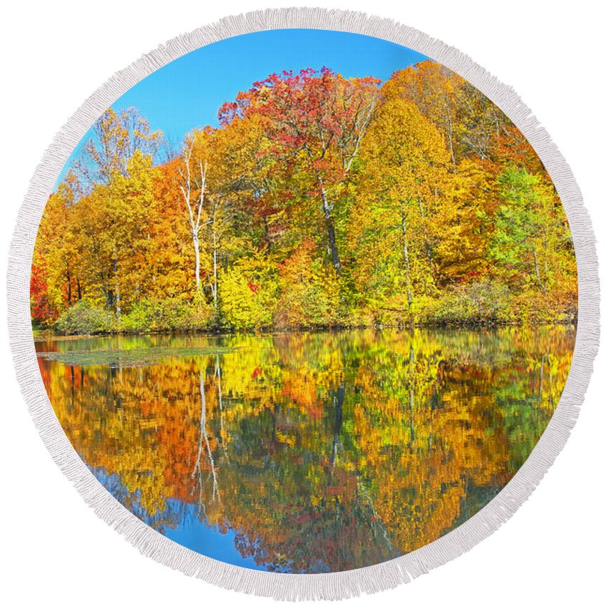 New Jersey Autumn Round Beach Towel featuring the photograph Lakeside Autumn Reflections Nj by Regina Geoghan