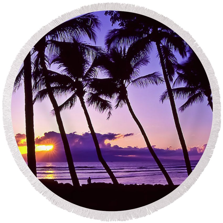 Landscapes Round Beach Towel featuring the photograph Lanai Sunset by Jim Cazel