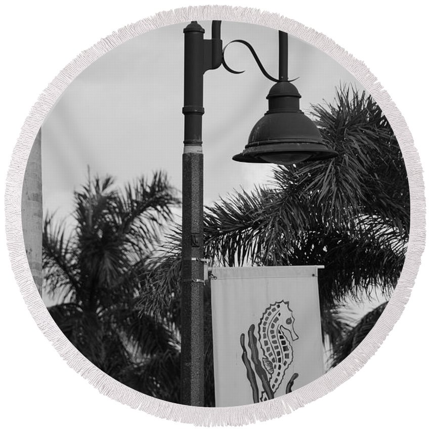 Black And White Round Beach Towel featuring the photograph Lantana Lamp Post by Rob Hans