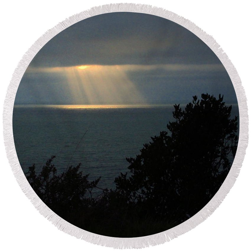 Pacific-northwest-coast Round Beach Towel featuring the photograph Last Sunbeams Of The Day by Joyce Dickens