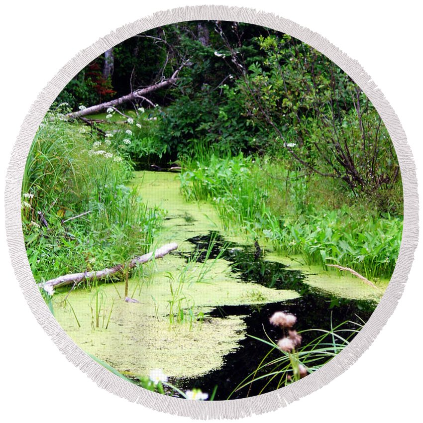 Pine Falls Manitoba Creek Water Round Beach Towel featuring the photograph Late Summer At The Creek by Joanne Smoley
