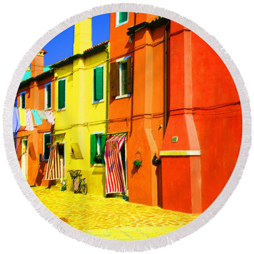 Burano Round Beach Towel featuring the photograph Laundry Between Chimneys by Donna Corless