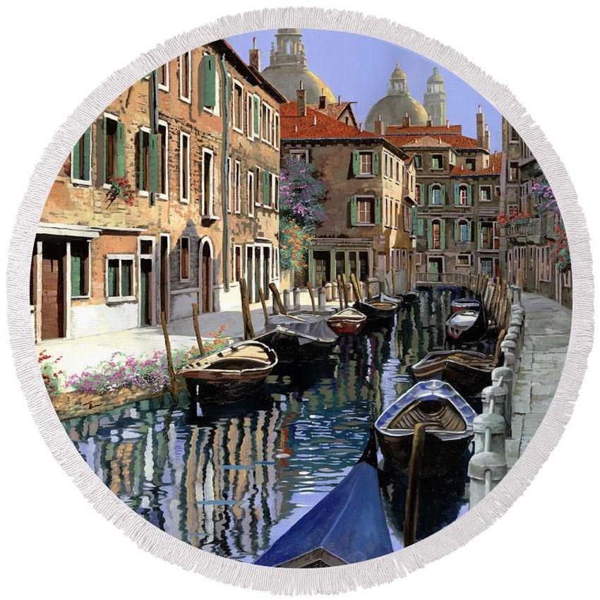 Venice Round Beach Towel featuring the painting Le Barche Sul Canale by Guido Borelli