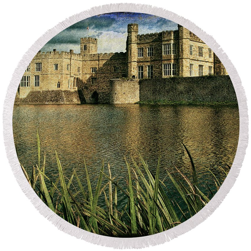 Castle Round Beach Towel featuring the photograph Leeds Castle In Kent by Chris Lord