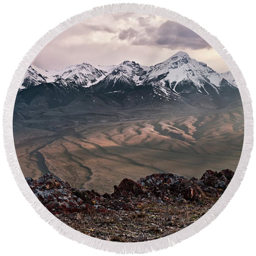 Altitude Round Beach Towel featuring the photograph Lemhi Sunset by Leland D Howard