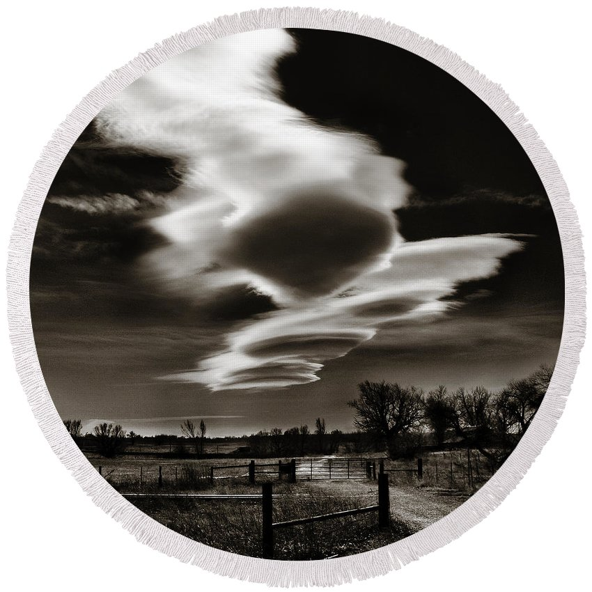 Clouds Round Beach Towel featuring the photograph Lenticular Clouds Of Colorado by Marilyn Hunt