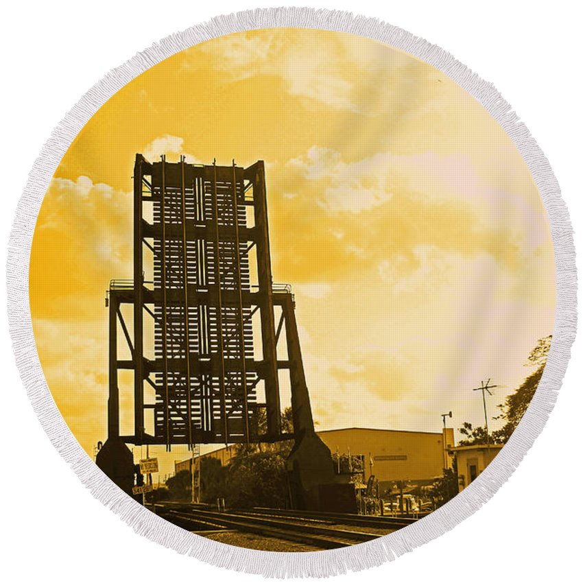 Florida East Coast Railroad Bridge Round Beach Towel featuring the photograph Let The Ships Go by Iryna Goodall