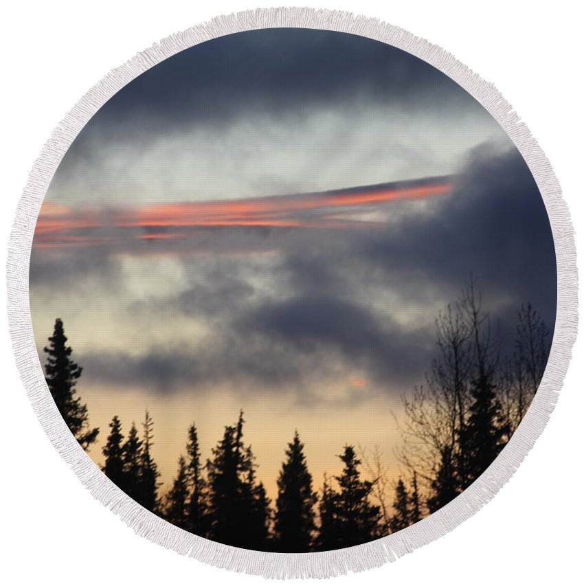 Unique Sunset Round Beach Towel featuring the photograph Licorice In The Sky by Lori Mahaffey