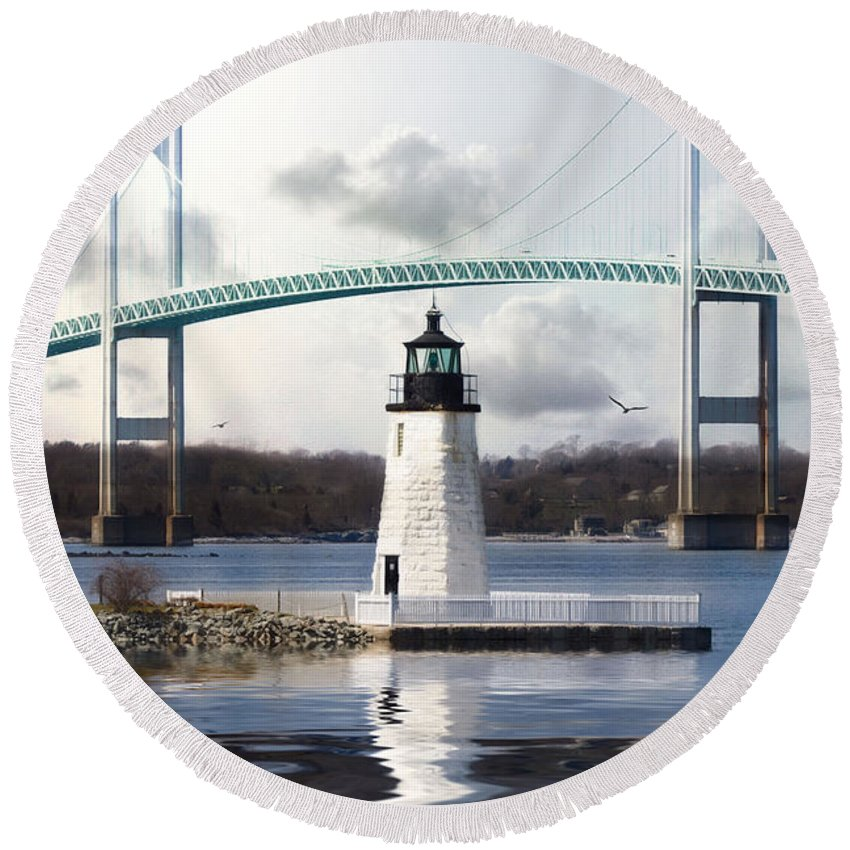 Lighthouse Round Beach Towel featuring the photograph Light At Goat Island by Robin-Lee Vieira