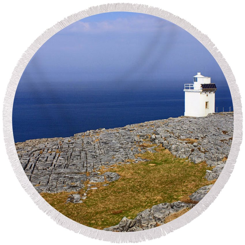 Lighthouses Round Beach Towel featuring the photograph Lighthouse Cliff by Jennifer Robin
