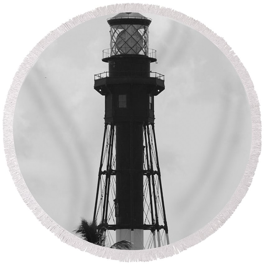 Landscape Round Beach Towel featuring the photograph Lighthouse In Black And White by Rob Hans
