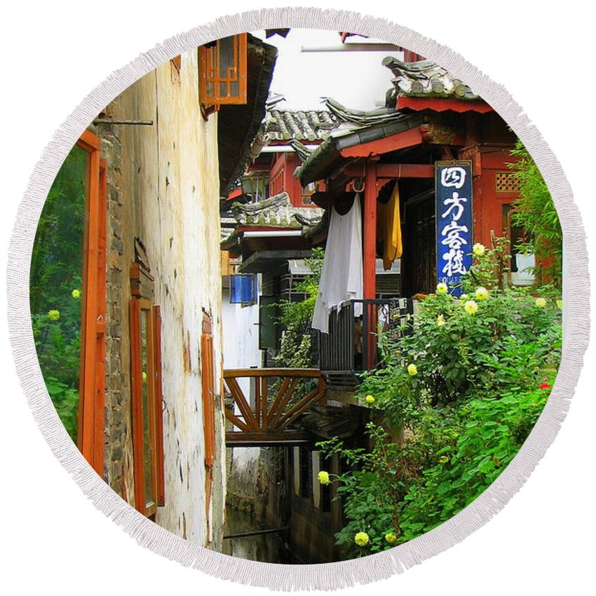 Lijiang Round Beach Towel featuring the photograph Lijiang Back Canal by Carla Parris