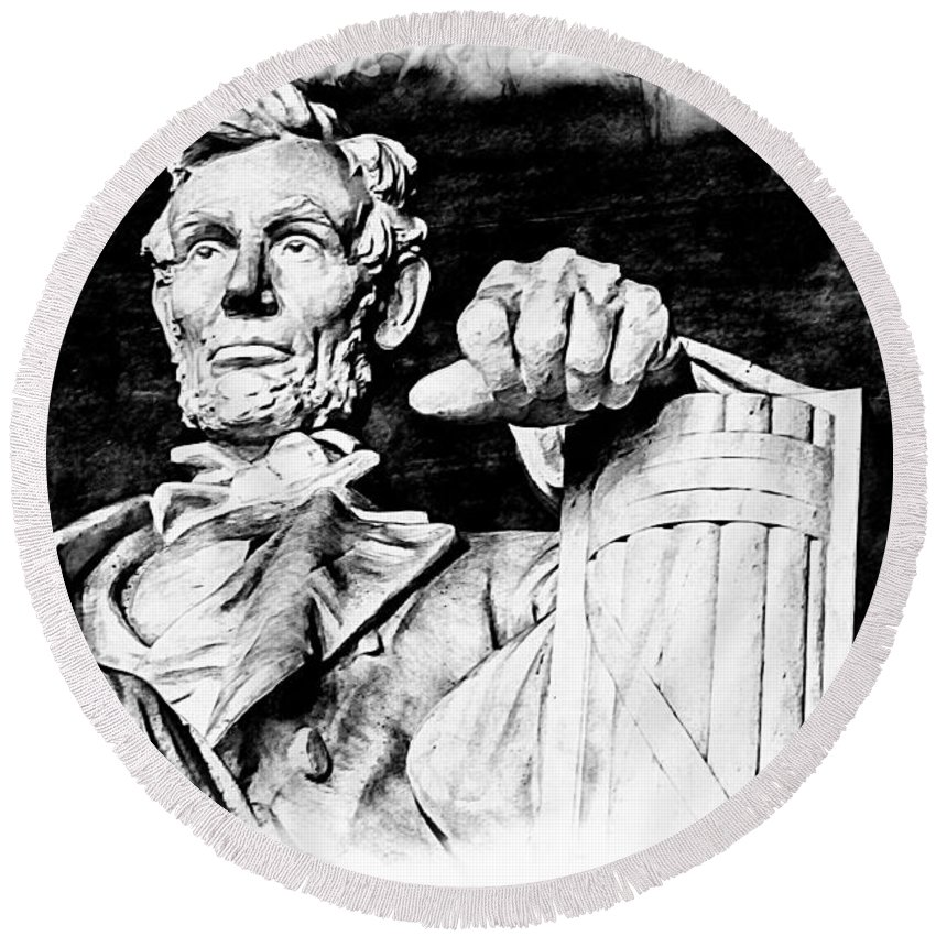 Alicegipsonphotographs Round Beach Towel featuring the photograph Lincoln Carved by Alice Gipson