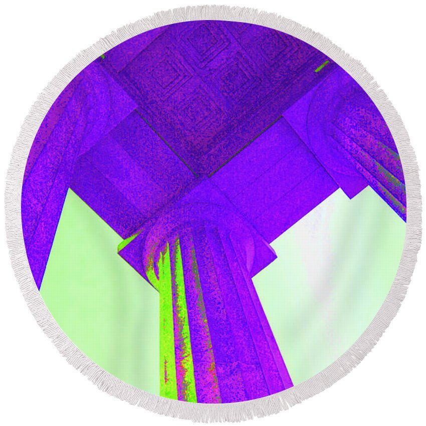 Lincoln Round Beach Towel featuring the photograph Lincoln Column Purple by Jost Houk