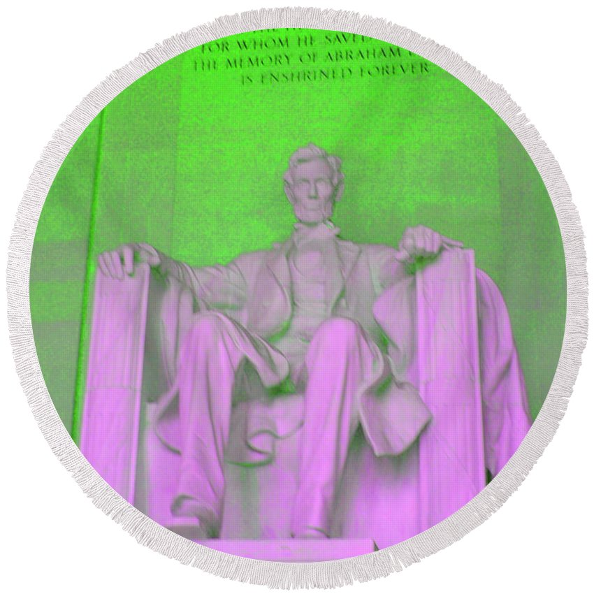 Green Round Beach Towel featuring the photograph Lincoln In Green by Jost Houk