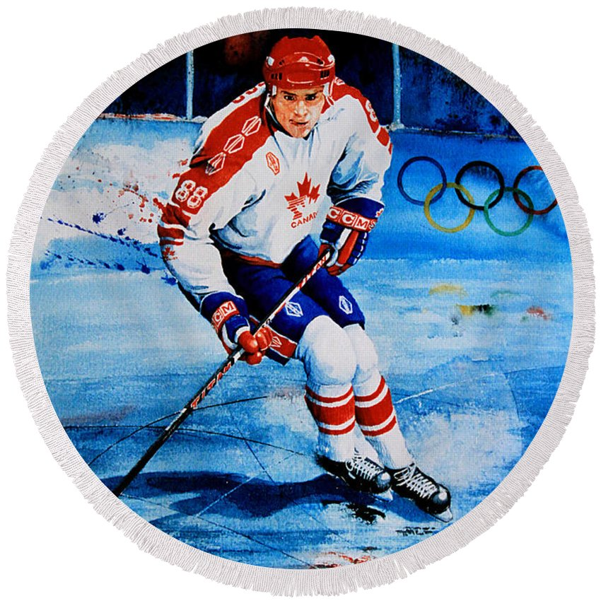 Sports Art Round Beach Towel featuring the painting Lindros by Hanne Lore Koehler