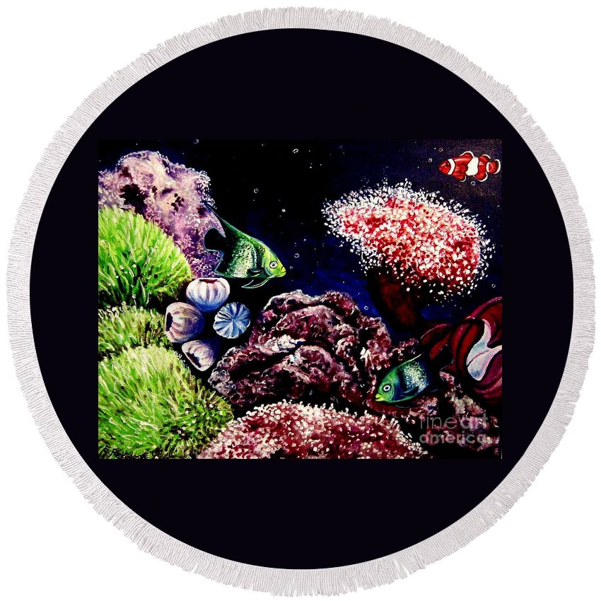 Fish Round Beach Towel featuring the painting Lindsay's Aquarium by Elizabeth Robinette Tyndall