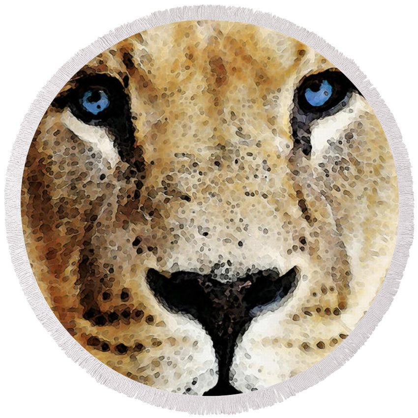 Lions Round Beach Towel featuring the painting Lion Art - Blue Eyed King by Sharon Cummings