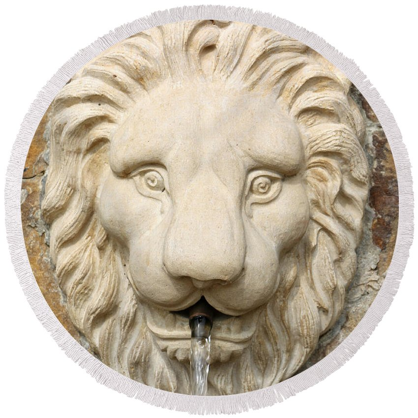Lion Round Beach Towel featuring the photograph Lion Head Fountain by Pamela Critchlow
