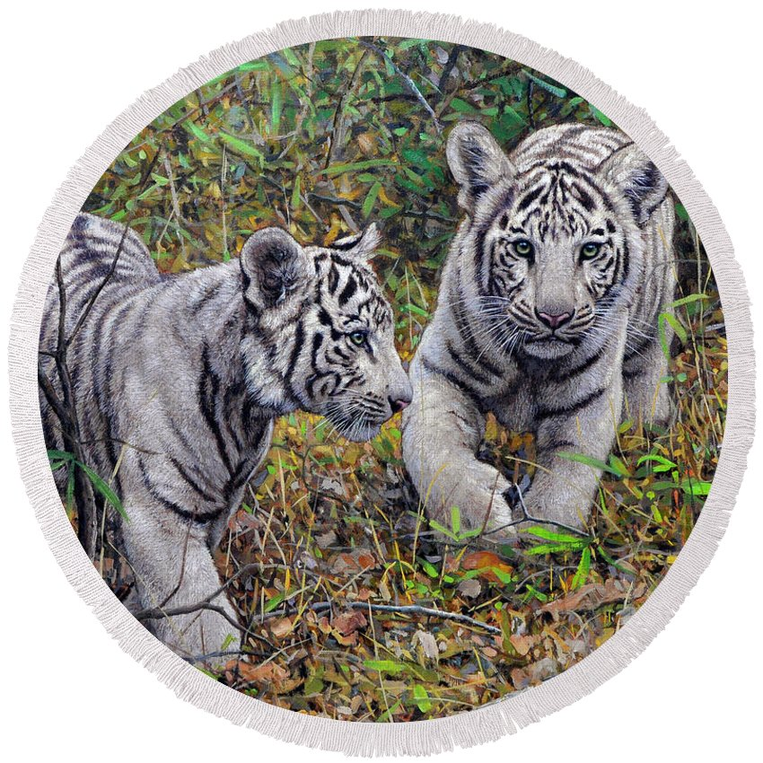 Tigers Round Beach Towel featuring the painting Little And Brave by Gabriel Hermida