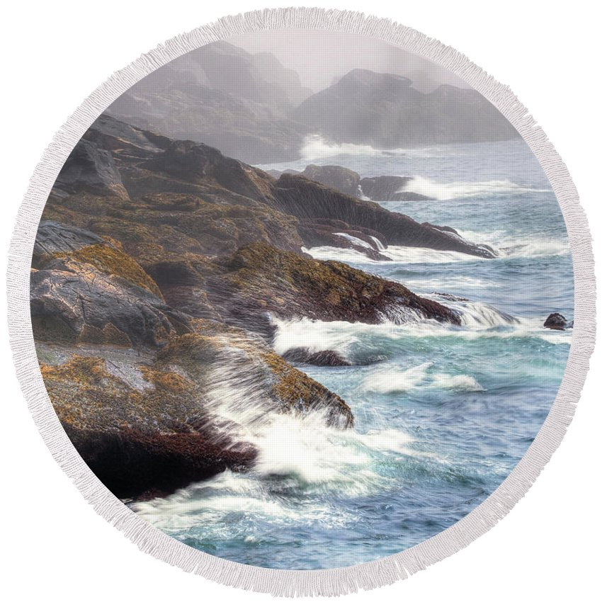 Maine Round Beach Towel featuring the photograph Lobster Cove by Tom Cameron