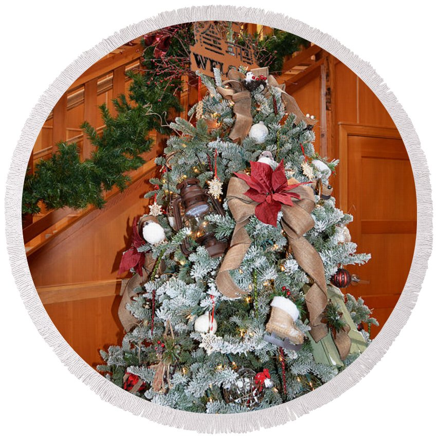 Christmas Round Beach Towel featuring the photograph Lodge Lobby Tree by Ginny Barklow
